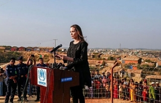 Angelina Jolie Bangladeş'te kampları ziyaret etti