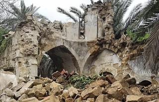Ara bölgede yıkılan kilisenin akıbetine liderler...