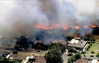 Avustralya'da devam eden yangınlarda 5 ev yandı