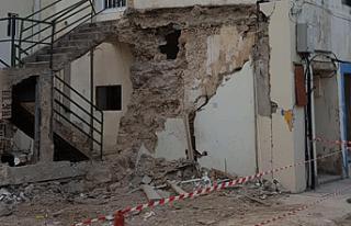 Baf'taki bir Türk evi meydan yapılacak diye...