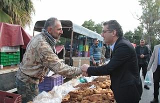 Başbakan Erhürman, Güzelyurt'ta halkla bir...