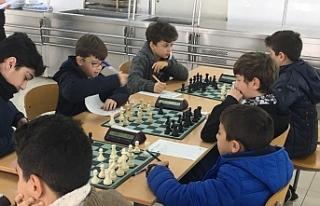 Satranç Turnuvasında 6. Tur tamamlandı