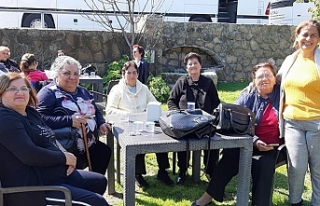 Alsancak Belediyesi, 60 yaş üstü kadınlara gezi...