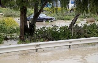 Aşırı yağışlar Taşkent Haspolat ve Lefkoşa'da...