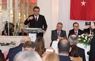 Başbakan, Londra'da Kıbrıs Türk toplumu ile...