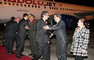 Başbakan yurda döndü