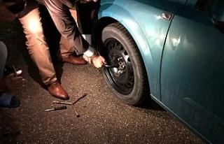 Bertan Zaroğlu'nun aracına saldırı