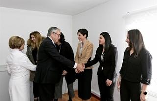 Cumhurbaşkanlığı kadın çalışanlarını ziyaret...