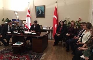 Erhürman, Londra'da Kıbrıs Türk Dernek Başkanları...