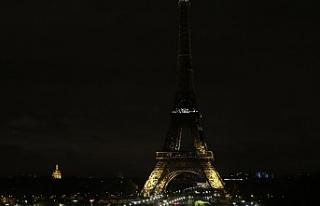 Eyfel Kulesi'nin ışıkları Yeni Zelanda için...