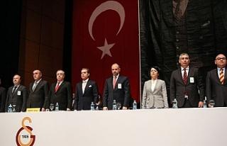 Galatasaray yönetimi idari yönden ibra edilmedi