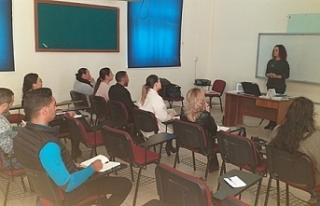Girne bölgesindeki belediye çalışanlarına İngilizce...