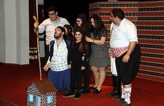 Güney Mesarya Halk Tiyatrosu'nun 'Ejderha Tepesi'...