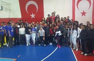 Liseler Eskrimde yarıştı
