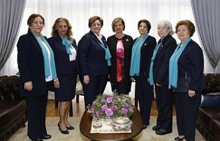 Meral Akıncı, KKTC Kız İzci Örgütü Derneği...