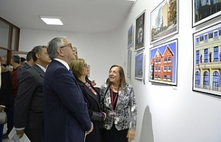Mimari Yansımalar sergisinin açılışı yapıldı