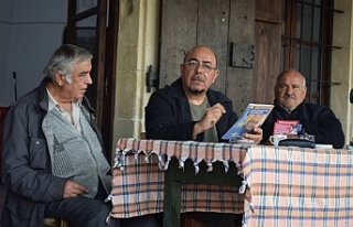 Niyazi Kızılyürek, Akıncılar (Lüricina) köyünü...
