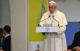 """Papa terör saldırısı için """"anlamsız şiddet..."""