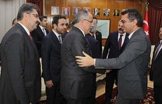 Şentop, Başbakan Tufan Erhürman'ı ziyaret...