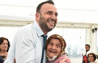 Sosyal Hizmetler Dairesi'nden yardım alan yaşlılara...