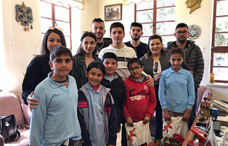 UBP Lefke İlçe Gençlik Kolları, çocuklara bağışta...