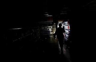 Venezuela'da elektrik kesintisi nedeniyle hayat...