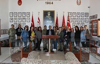 YDP Kadın Kolları Heyeti Erenköy'deki Mücahitleri...