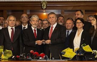 Ankara'da Mansur Yavaş görevi devraldı