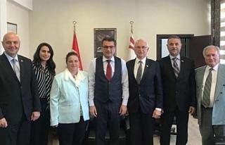 Başbakan, Kızılay heyetini kabul etti