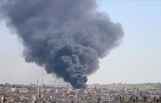 Esed rejimi İdlib'e yoğun saldırılarını...