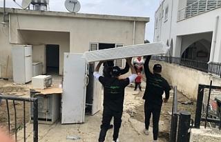 Evleri selden zarar gören ailelerin yaraları sarılıyor