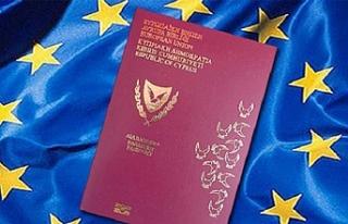 İngiltere'de yaşayan Rumlardan pasaporta yoğun...