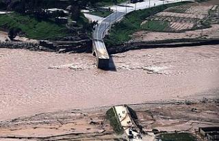 İran'da nehir suları yükseldi: 3 ölü