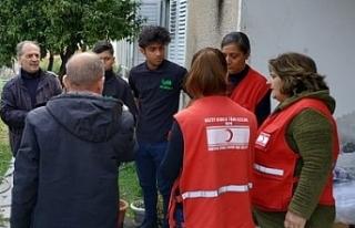 Kızılay'dan su baskını olan bölgelere yardım