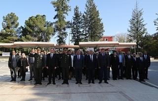 Lefkoşa Atatürk Anıtı'nda 23 Nisan töreni düzenlendi