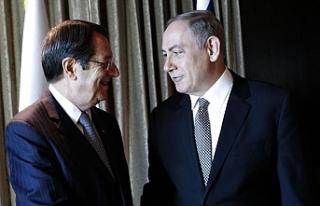 Netanyahu'yu tebrik etti