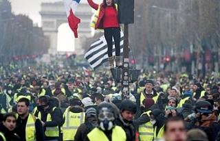 Paris'te sarı yeleklilere eylem yasağı
