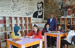 Sosyal medya yardımıyla köy okuluna kütüphane...