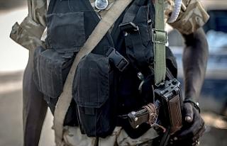 Sudan'da ordu devlet televizyonu binasını kuşattı