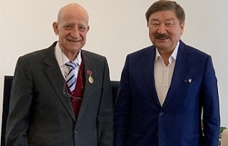 TÜRKSOY'dan Serakıncı'ya onur madalyası