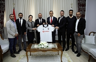 Uluçay, Beşiktaş taraftar derneği'nden bir...