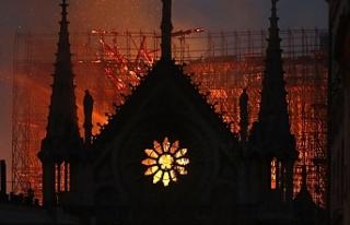 UNESCO'dan Notre Dame Katedrali'nin restorasyonuna...