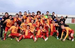 Ahmet Sivri de gol attı... Galatasaray Şampiyon...