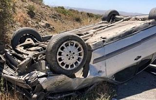 Araç takla attı, biri ağır iki yaralı