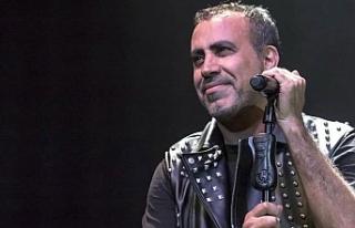 Haluk Levent, Carettaların üreme alanında konser...