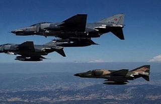 Irak'ın kuzeyine hem havadan hem karadan dev...