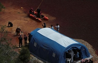Kurbanları bulmak için İsrail'den dalgıç...