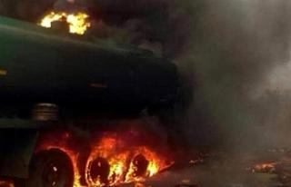 Nijerya'da yakıt tankeri patladı 55 kişi hayatını...