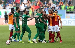 """Rizespor'un """"maçın tekrarı"""" başvurusuna..."""