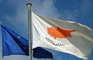 Rum siyasi partiler 15.yılı kutladı